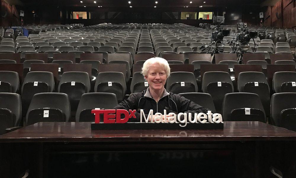 Marta Arce participando en el TED Talk Malagueta.